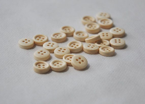 50pcs 10mm Mini 4 holes Wooden Buttons