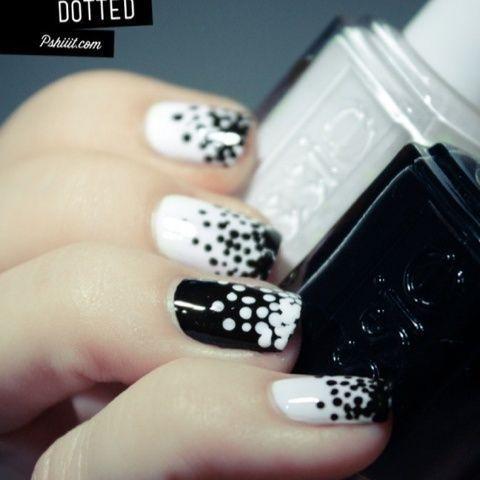 dotty nails: Nails Art, Nailart, Nails Design, Black And White, Polka Dots Nails, White Dots, Black White, White Nails, Nail Art