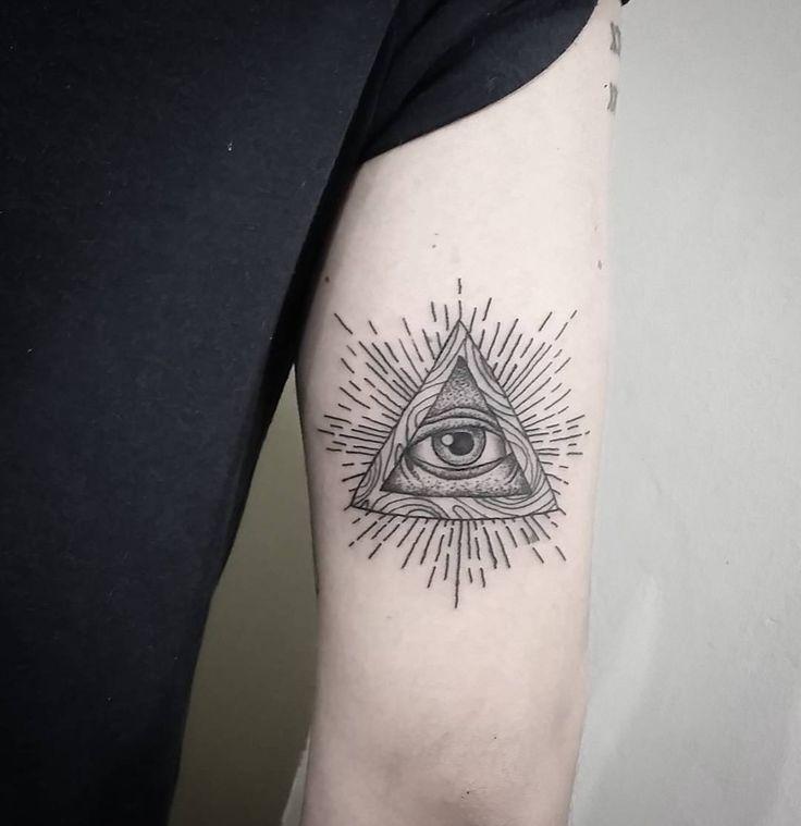 Illuminati Triangle Tattoo Best 25+ Illumi...