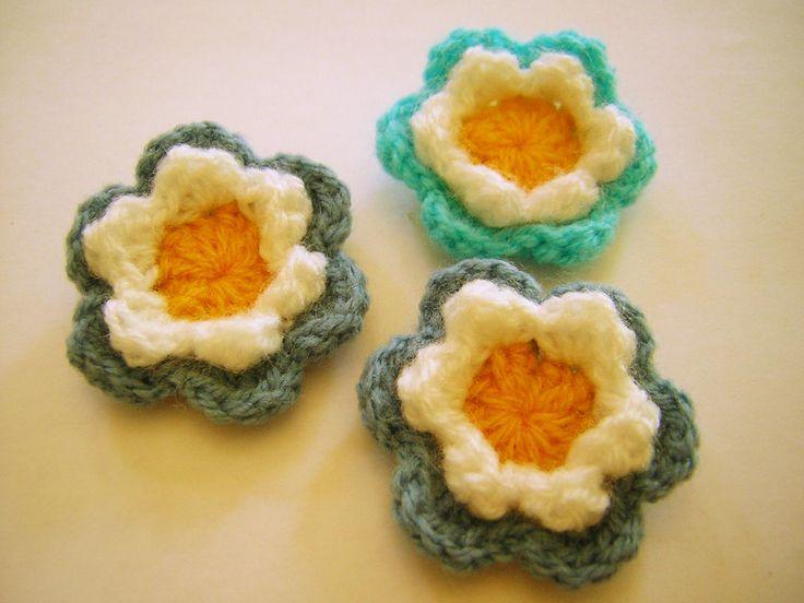 Escarapelas x 3 - Crochet, $20 en http://ofeliafeliz.com.ar