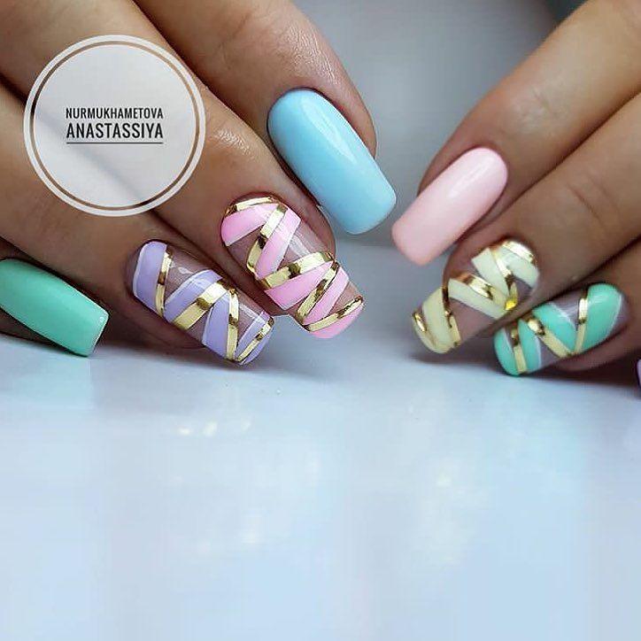 Mooie nagels verpakt als een cadeautje ~ credits for Anastassiya