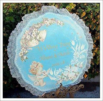 花嫁のドレスに合わせたレースがおしゃれ♡夏の結婚式にぴったりの青いウェルカムボードにまとめ一覧♡
