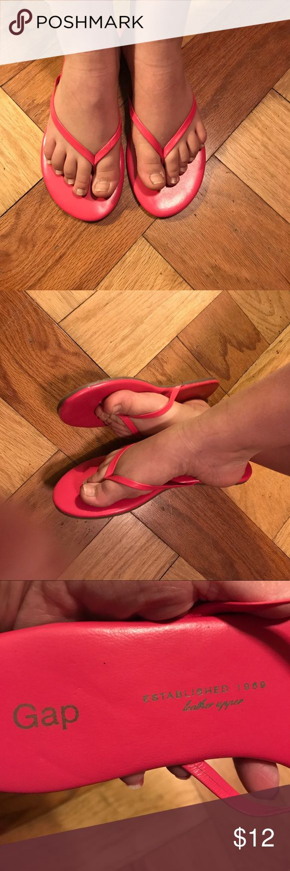 Gap brand flip-flop leather upper sandals Gap brand leather upper flip-flop sandals Gap Shoes Sandals
