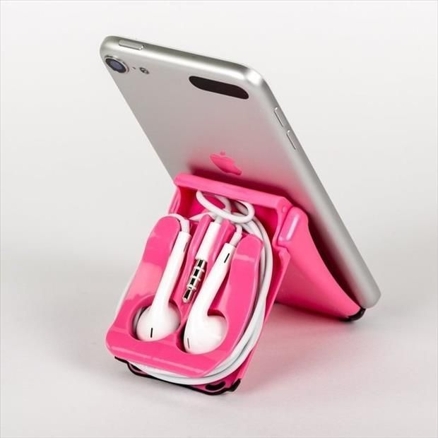 The Square Jellyfish is a EarPod case and stand designed to work with the new Apple EarPods. As a stand it will work with the iPhone, iPod Touch, iPad with a case, iPad Mini and most smartphones. Iphone 5s, Iphone Stand, Coque Iphone, Iphone Cases, Gadgets And Gizmos, Cool Gadgets, Cheap Gadgets, Tech Gadgets, Phone Holder For Bed