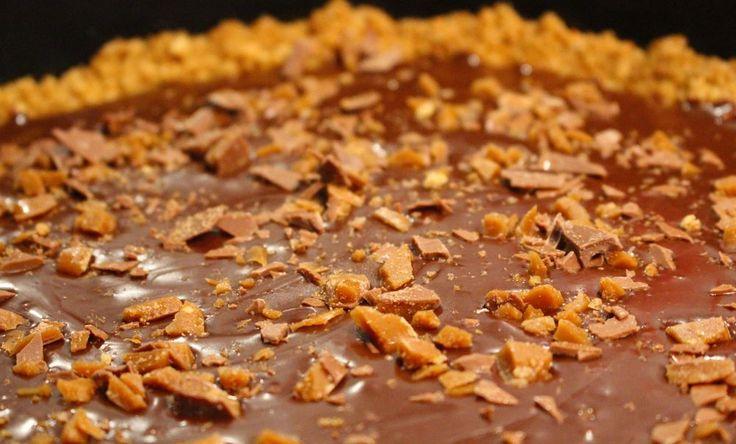 Imorgon är det nutellans dag, baka den här godbiten till fredagsfikat♥ Du behöver12-14 bitar Botten250 g digestivekex100 g smör, rumsvarmt Nutellaganache1,5 dl vispgrädde400 g Nutella1/2 dl…