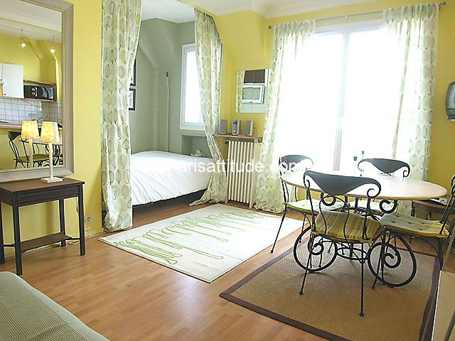 Studio ideas small apartment ideas solutions for Studio apartment solutions
