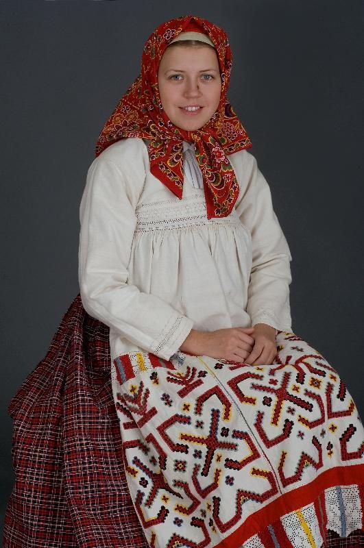 Русский народный костюм в работах Дмитрия Давыдова » Перуница