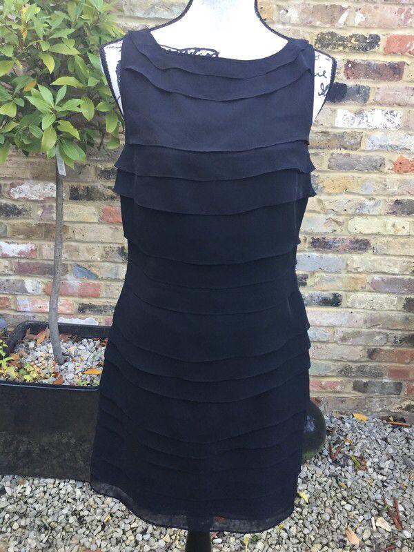 e6d99400ff69 Pin by Pearlandiris on Pearlandiris | Dresses, Black layers, Clothes ...