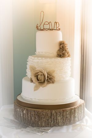Beige Wedding Cake ... More wedding ideas for brides, grooms, parents & planners ... https://itunes.apple.com/us/app/the-gold-wedding-planner/id498112599?ls=1=8 ♥ The Gold Wedding Planner iPhone App ♥