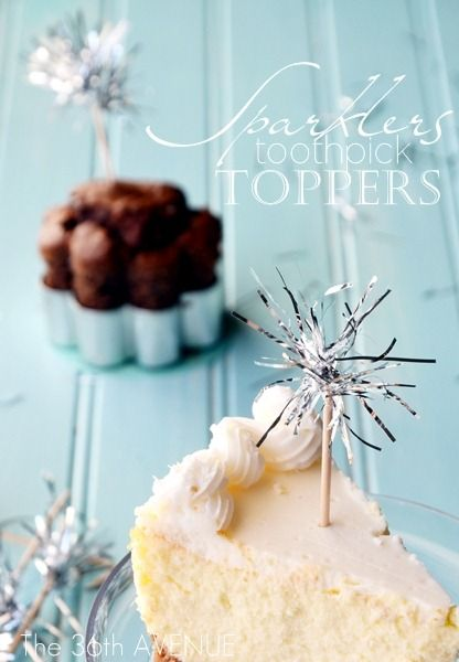 DIY Tinsel Sparklers Toppers Tutorial + tons of sparkling New Years Ideas! #newyears #party #sparkle