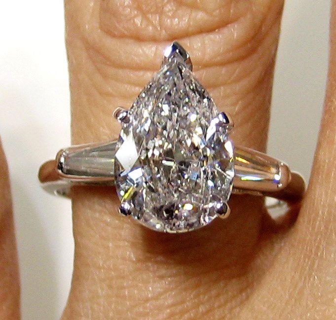 Estate Vintage 3.32ct Classic PEAR Cut Diamond Engagement Ring