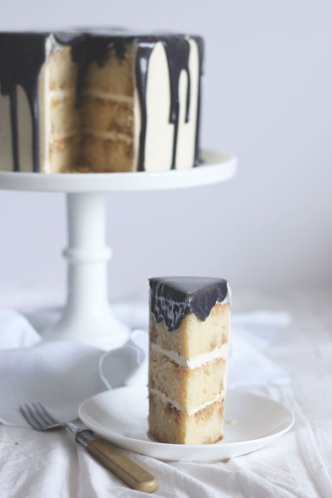 London Fog Cake - A light, layer cake infused with Earl Grey Tea syrup and sandwiched with whipped vanilla buttercream frosting. Earl Grey Tea Latte in a easy to make bake.