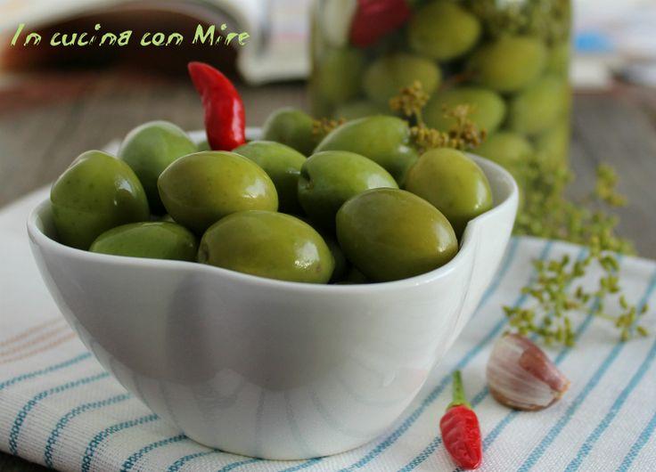 #ricetta #gialloblogs #ricetta Olive in salamoia-ricetta con la soda | In cucina con Mire