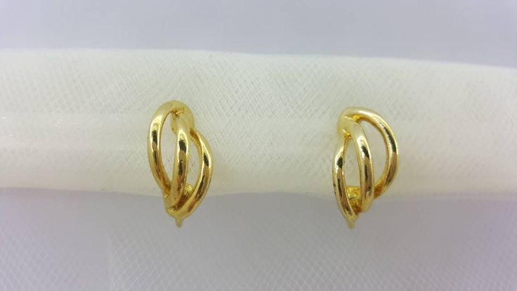 Napier Leaf Clip Lever back earrings Gold Modern Classic #jewellery #lucylucylemon #earrings
