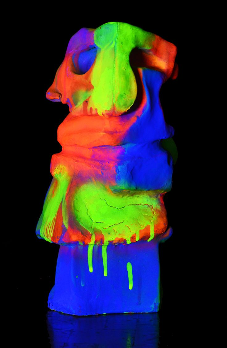 Elefante de Circo Neón / Neon Circus Elephant Light On 2016  25 x 8 x 11 cm Resina y aerosol / Resine and neon spray