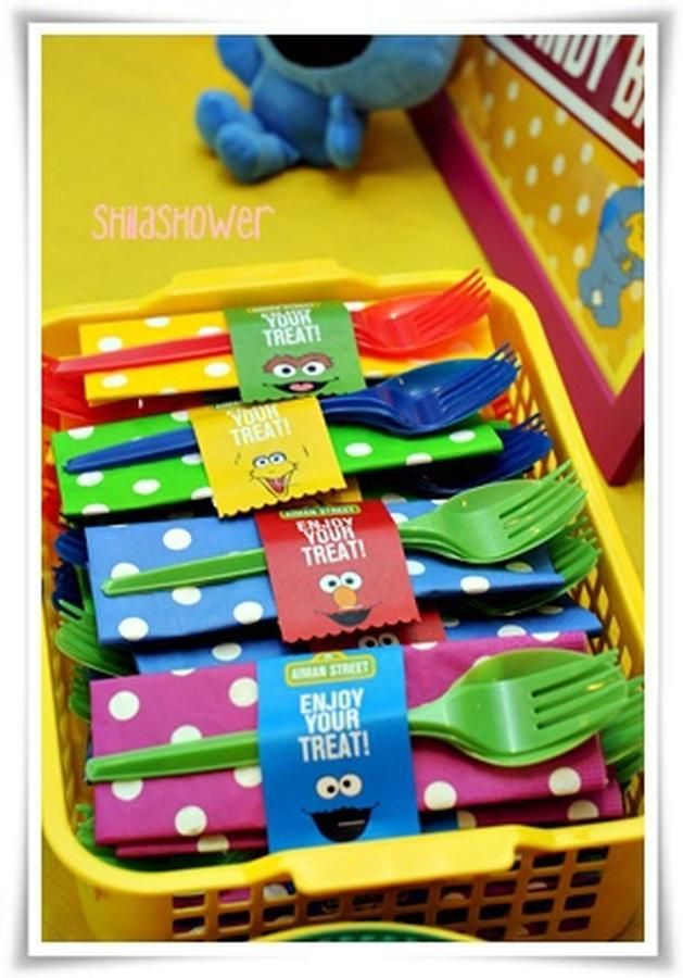 284 best sesame street theme birthday party ideas images on sesame street plasticware link to a lot of great ss party ideas solutioingenieria Image collections