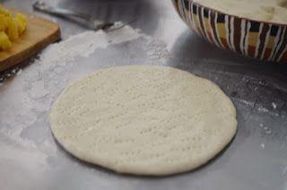 Tips adonan dasar cara membuat pizza - http://www.resepumiku.com/2015/12/tips-adonan-dasar-cara-membuat-pizza.html