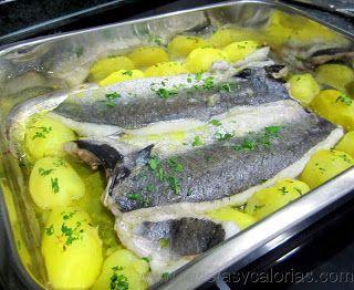 Merluza al horno. Solo 95 (kcal/100g)  Fácil receta casera, paso a paso.  http://www.recetasycalorias.com/2014/01/merluza-al-horno.html
