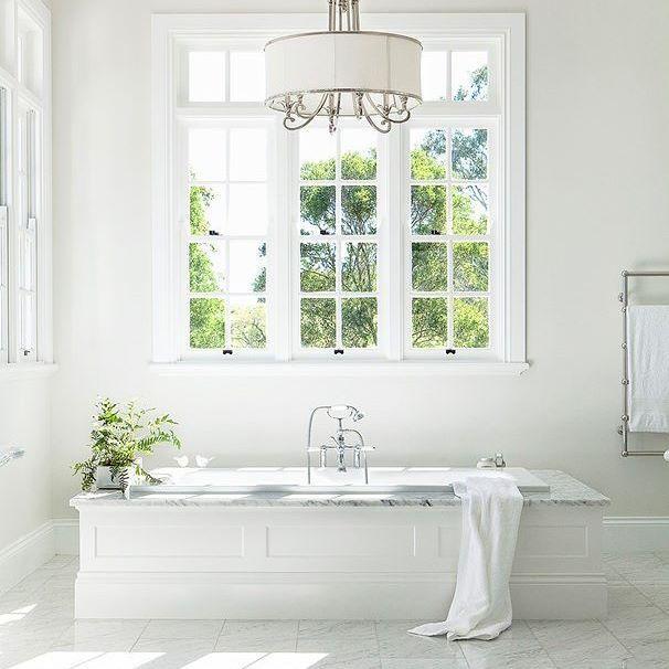 Just breathtaking.. Image source: Home Beautiful website  Paint: Dulux Whitsunday Island  Bath: NCP Bathroom Centres    #hamptonshomeau