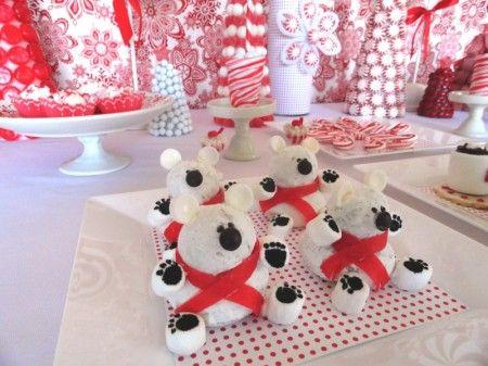 Polar bear treatsDonuts Hole, Christmas Desserts, Minis Donuts, Bears Holiday, Holiday Ideas, Donuts Polar, Christmas Polar, Polar Bears Parties, Blue And White