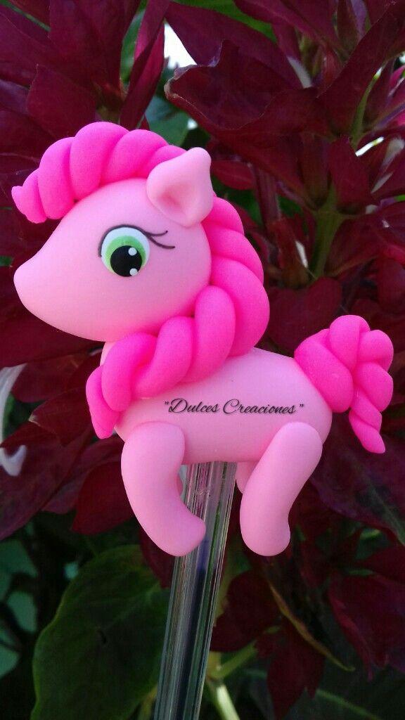 Pinkie Pie. My little Pony. Bolígrafo Decorado.  Pasta Flexible, Porcelana Fría.  Hechas por Mary Reyes De Dulces Creaciones