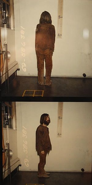 The first photos of Charles Manson in custody, dated Dec. 9, 1969
