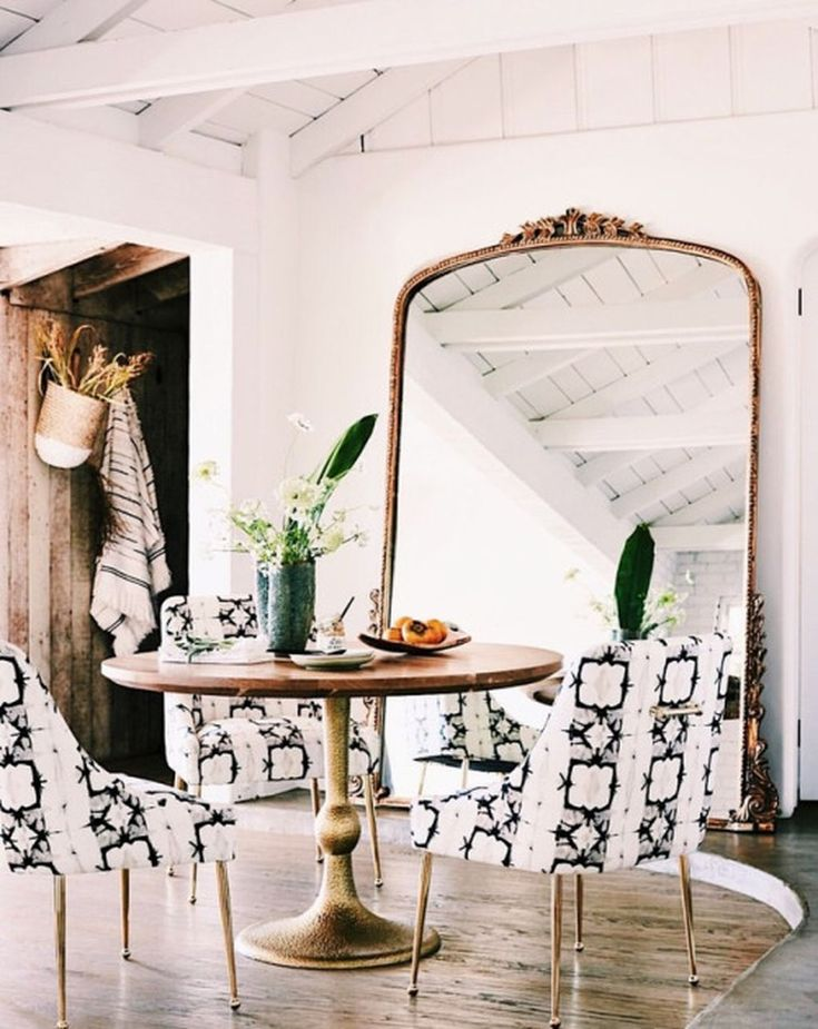 cool 41 Charming French Dining Room Design Ideas  https://decoralink.com/2017/12/06/charming-french-dining-room-design-ideas/