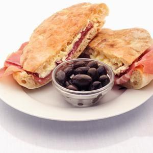 Sonkás szendvics kajmakkal - Megrendelhető itt: www.Zmenu.hu - A vizuális ételrendelő.