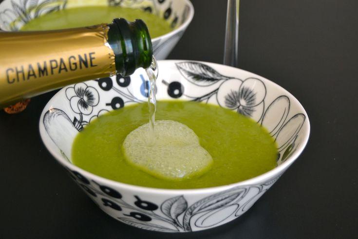 Crème Ninon eller grønn ertesuppe med Champagne.