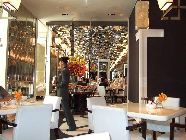 cafe UN DEUX TROIS at mandarin oriental taipei