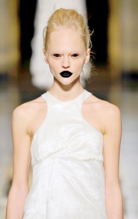 #lol #black lips: Fashion Models, Black And White, Funny Pictures, Bath Salts, Black Lips, Sasha Pivovarova, Makeup Design, Black Love, Aliens