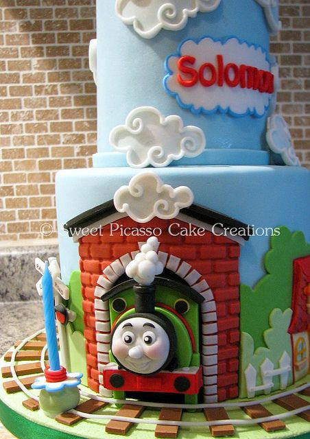 thomas train cake .. Definitely need to have a thomas party for Isaiah before he has a new fav character
