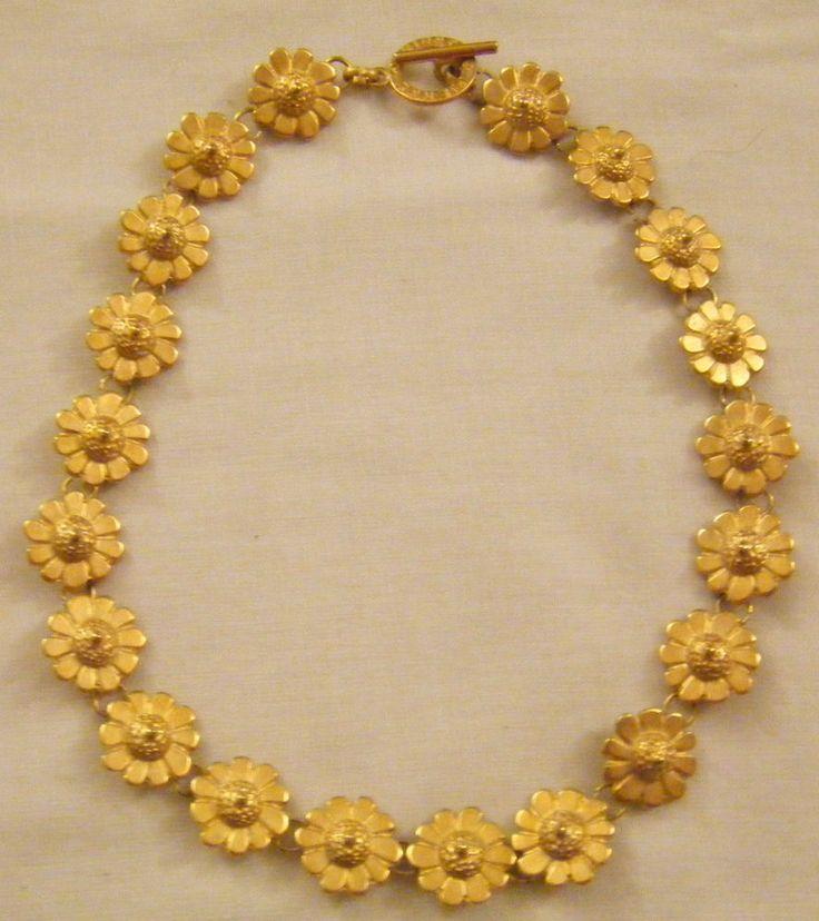 collana girocollo ...pierre cardin...in metallo dorato opaco