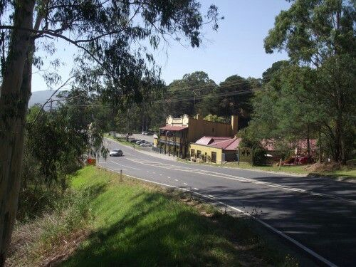 Launching Place - a typical looking Aussie town