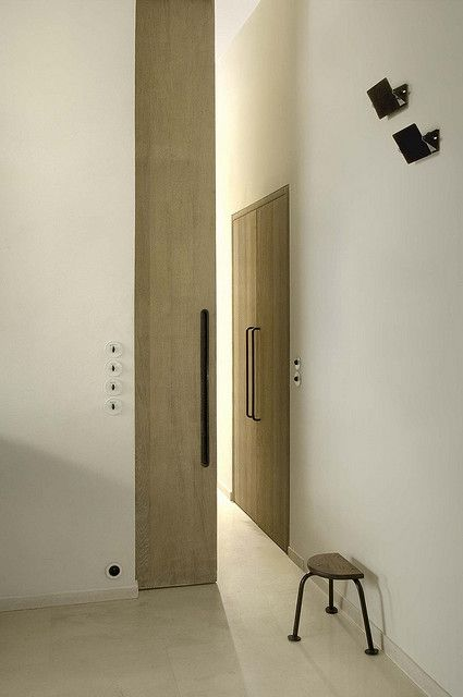 GREAT DOOR<3 <3 sliding door - just what I have been looking for - recessed, hidden sliding door!