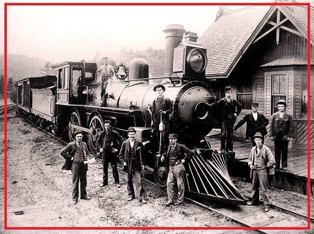 Ottawa & Gatineau RAILWAY engine # 7 at the station-gare vintage photo - e.