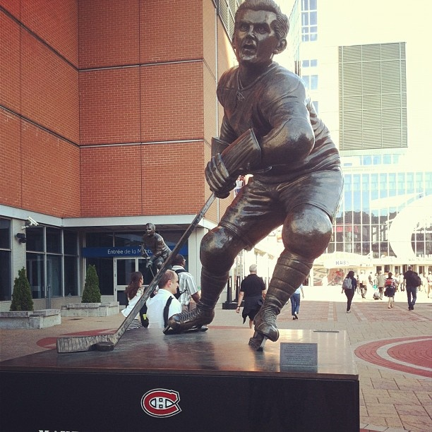 habs statues