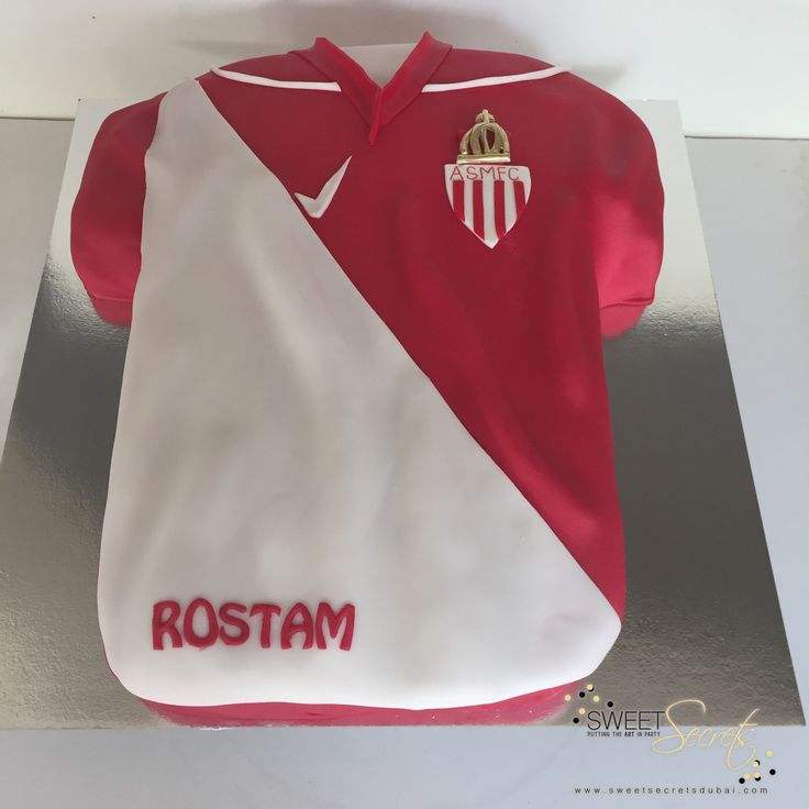 Football. Sweet Secrets, Novelty Cakes Dubai. www.sweetsecretsdubai.com
