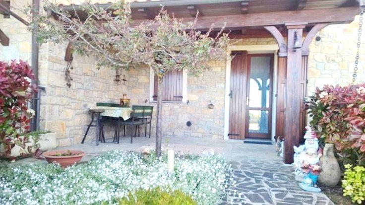 Serramazzoni, villa a schiera di ca 110mq con giardino privato
