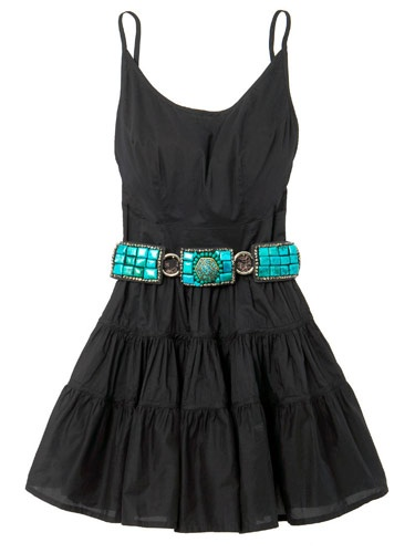 Love this dress and the belt! Cute!