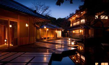京都嵐山から10分のところにある星野リゾート京都。 日本の中でも、伝統が多く残る京都にある星野リゾート京都は総本山とも言えるほど、素晴らしいのです。