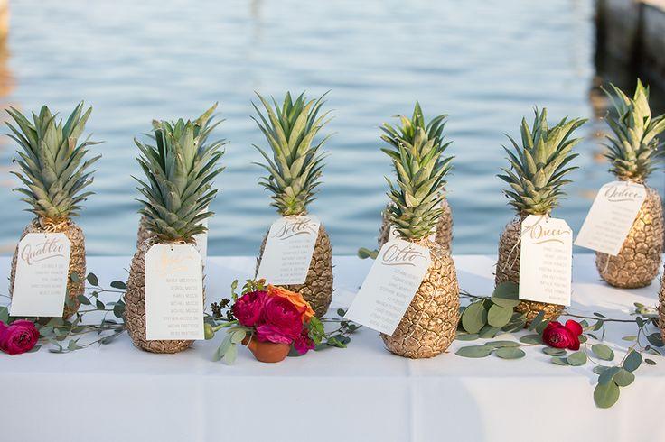 Pineapple menu beach wedding deco ideas
