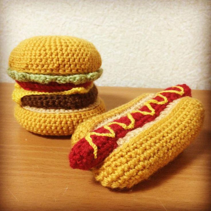 Hamburger & Hotdog! #yarn #crochet #hamburger #hotdog