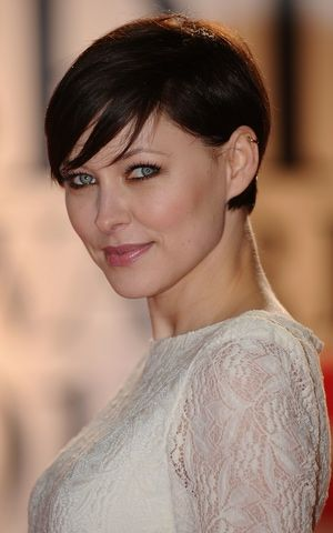14 Ways to Wear Long Bangs: Another Cool Shot of Bangs on a Pixie