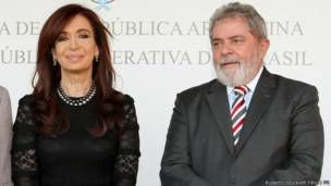 Cristina Kirchner e Lula durante evento, em 2011 (Foto: Roberto Stuckert Filho/PR)