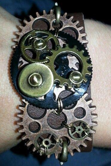 Leather Gear Bracelet