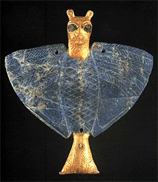 Jewelry from The Royal Tombs of Ur.  Gold and lapis lazuli pendant of Imdugud, the lion-headed eagle.