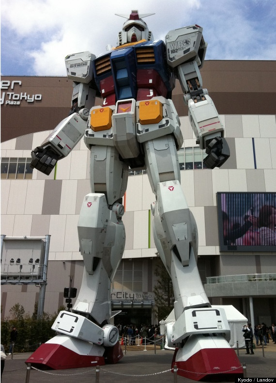 Giant 60-Foot 'Mobile Suit Gundam' Statue Presides Over DiverCity Tokyo Plaza.  Anime packaged into one phenomenal sculpture. Gundam style.