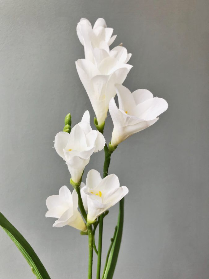 White Freesias Heavenly Homes Gardens Silk Flowers Home Decor Christmas Baubles Garden In 2020 Freesia Flowers Artificial Flowers Faux Flower Arrangements