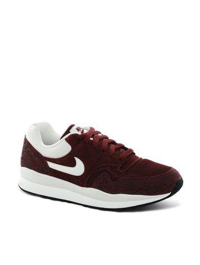 Nike Air Safari Trainers - Red